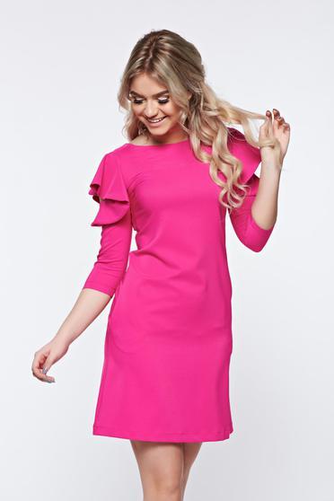 Rochie scurta eleganta roz cu croi larg si volanase la maneca LaDonna