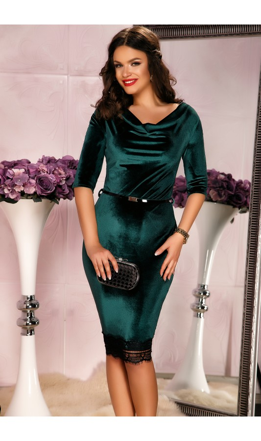 Rochie din catifea verde cu banda din dantela