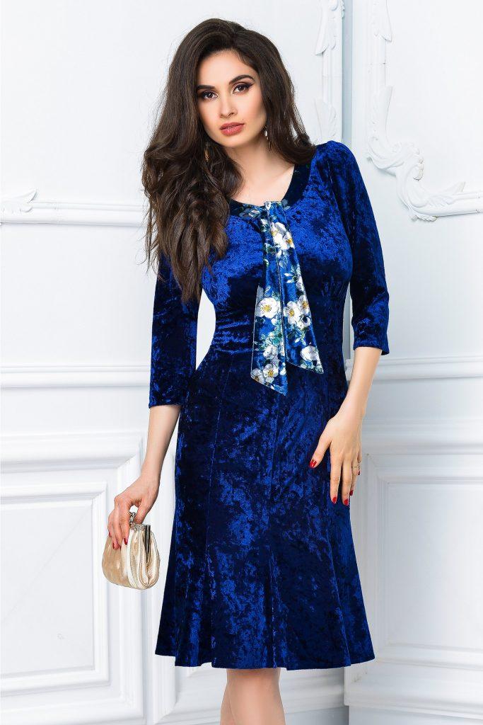 Rochie midi eleganta cu volanase la baza din catifea bleumarin cu reflexe Isabel