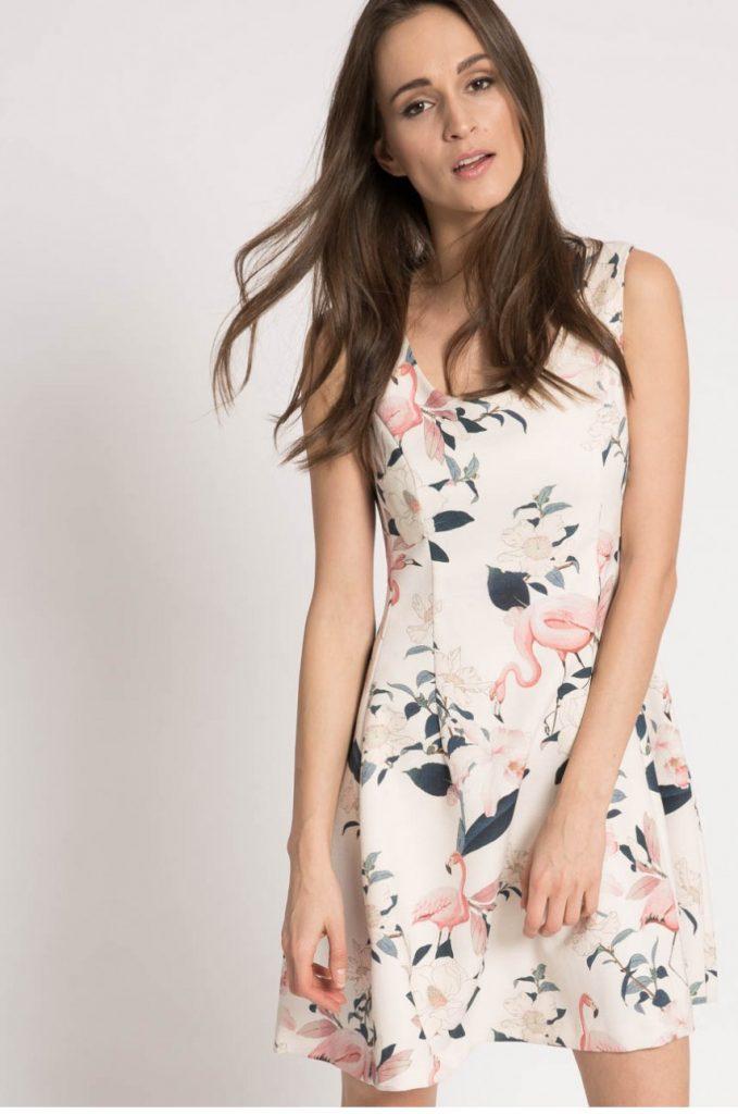 Rochie alba de zi pentru primavara cu imprimeuri florale Kiss my dress