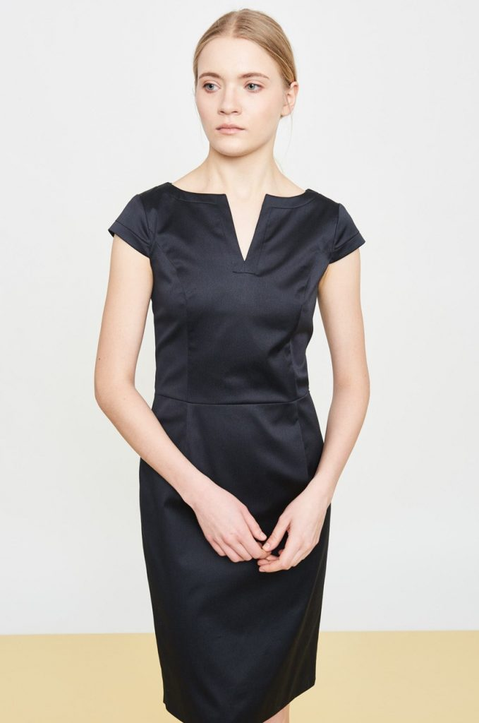Rochie office cu decolteu in V Simple. Model mulat confectionat material neted.