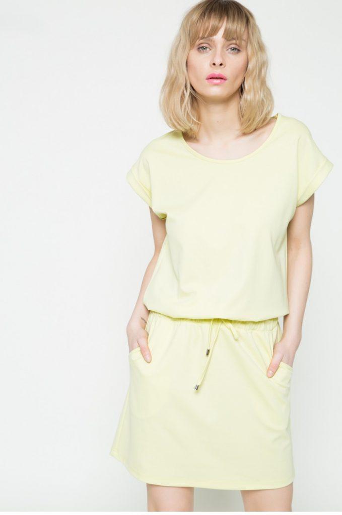 Rochie galben pal de zi de primavara Kiss my dress. Model drept confectionat tricot neted.