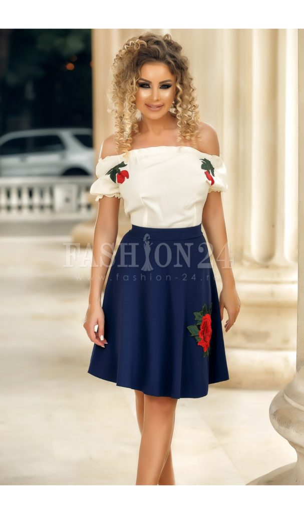 Rochie de ocazie bleumarin cu alb cu imprimeu floral traditional si umerii goi Isabela