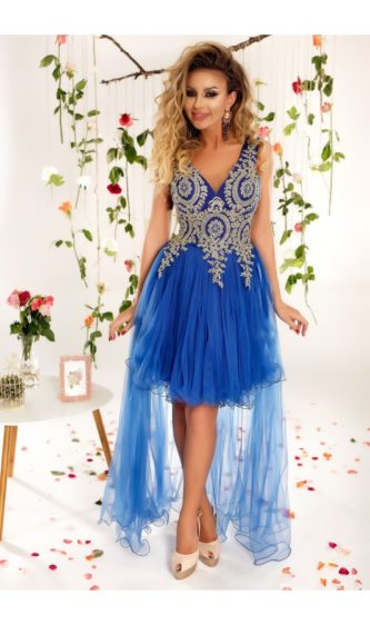 Rochie lunga asimetrica albastra Alessia cu fusta de tulle si broderie aurie la bust