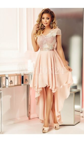 Rochie scurta de seara de culoare rose cu croiala eleganta cu trena