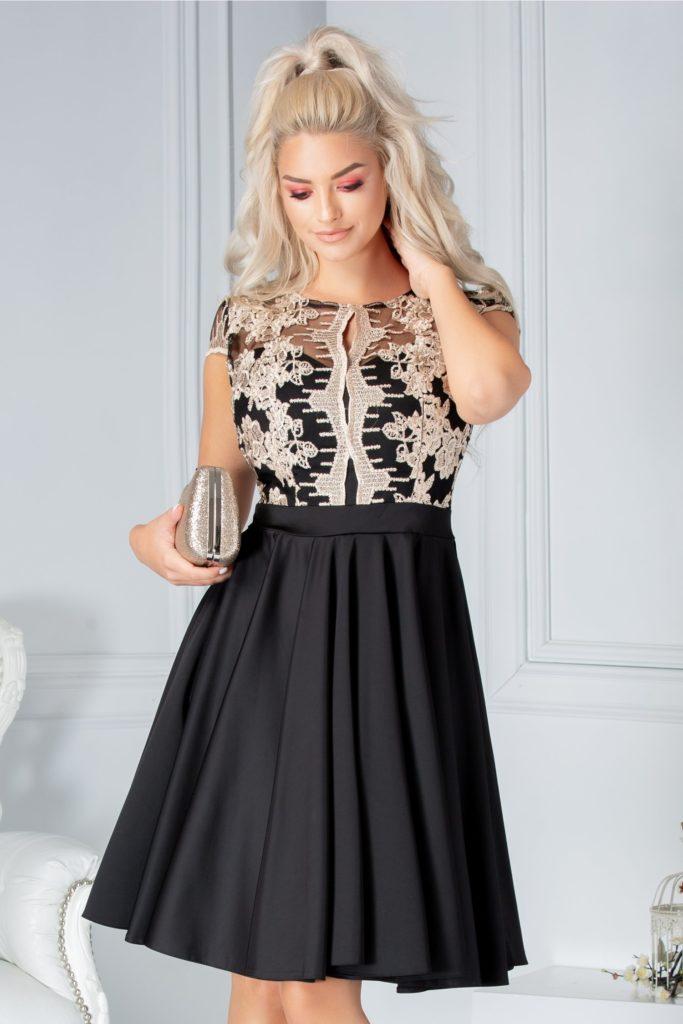 Rochie neagra eleganta accesorizata cu voal si broderie florala cu fir stralucitor pentru un efect senzational Ana