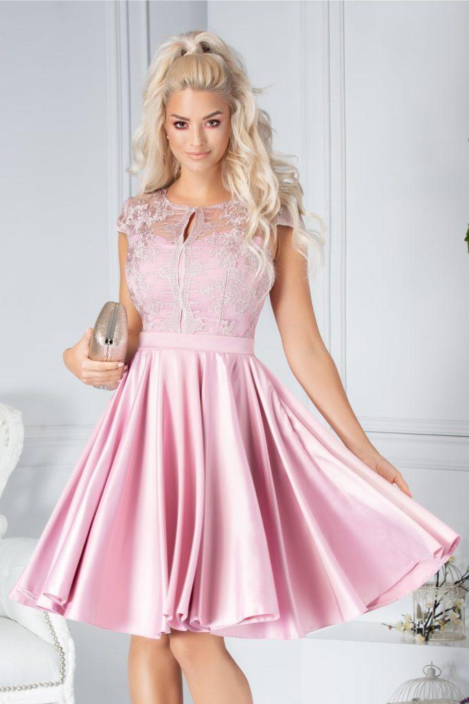 Rochie roz eleganta accesorizata cu voal si broderie florala cu fir stralucitor pentru un efect senzational Ana