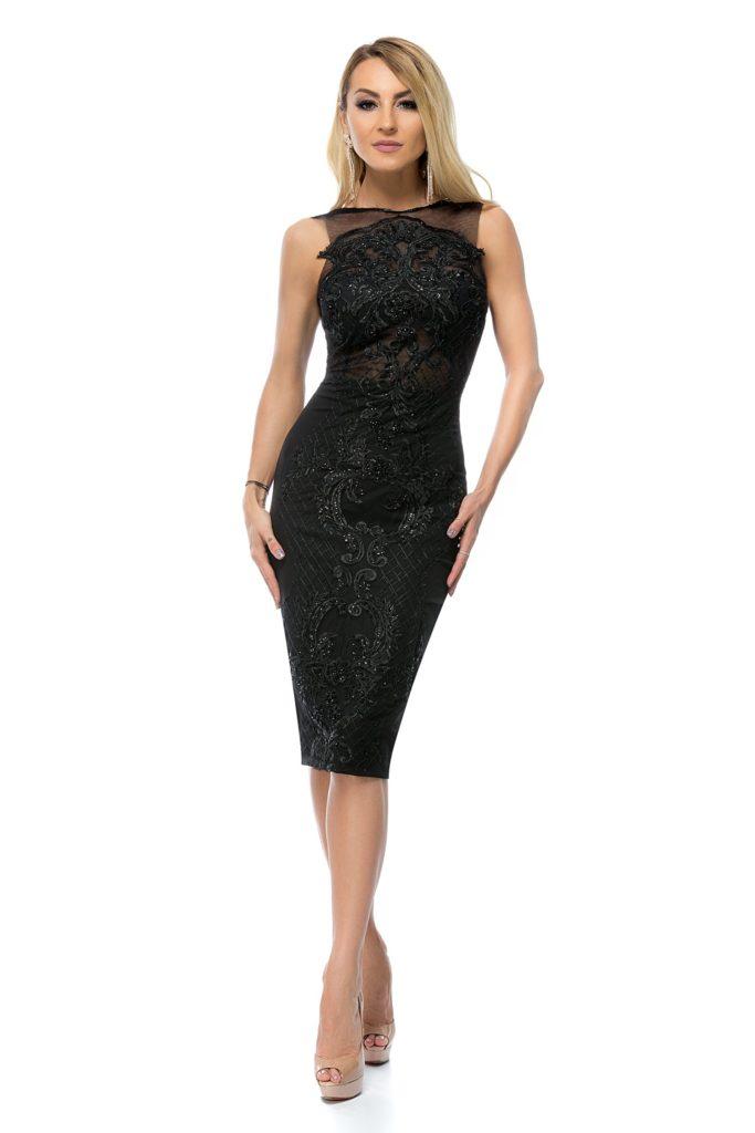 Rochie neagra marca BBY de ocazie accesorizata cu o superba broderie florala cu insertii fine tip plasa si paiete stralucitoare
