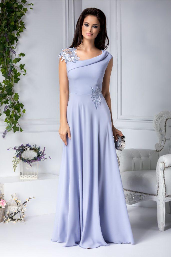 Rochie lunga gri cu design inedit cu spatele decupat si accesorizat cu broderie florala maxi Leonard Collection