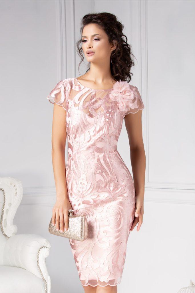 Rochie midi roz cu spatele si bustul decupate seducator in forma de V realizata din tull cu broderie si dantela Leonard Collection