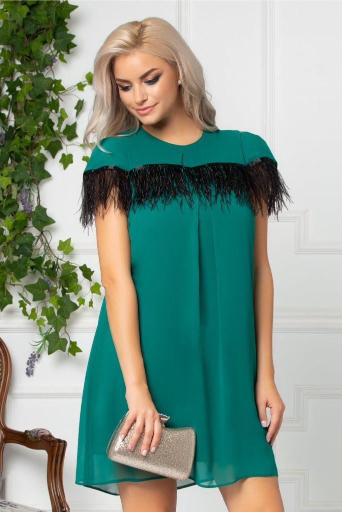 Rochie de zi verde lejera cu textura din voal, croiala larga si fulgi negri la bust si spate Moze Anita