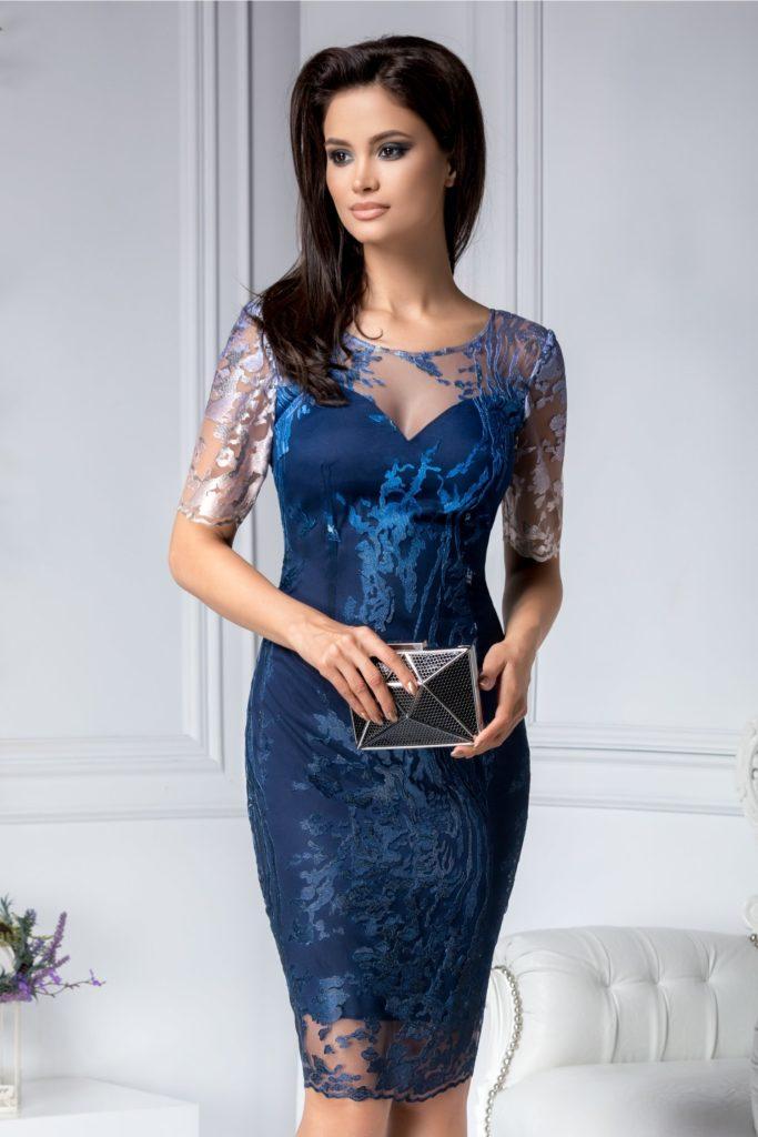 Rochie de ocazie bleumarin din dantela brodata si manecile transparente ce iti ofera un aer misterios si senzual Moze