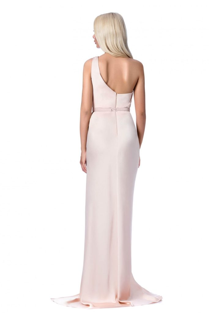 Rochie eleganta lunga piersica in nuanțe de roz diafan de ocazie tip sirena din material satinat Ana Radu