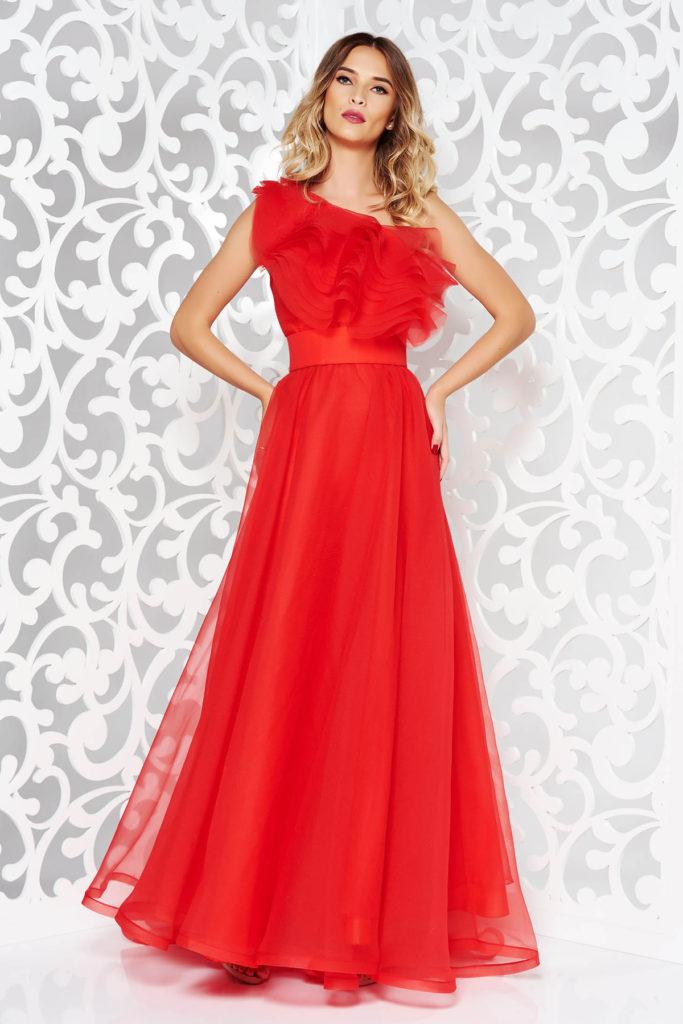 Rochie rosie stil printesa lunga de lux marca Ana Radu din tulle diafan prevazuta cu volanase pe umar si bust tip corset