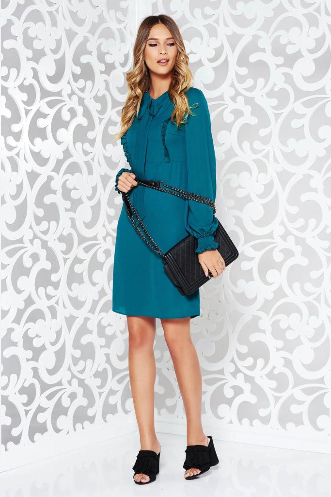 Rochie eleganta de ocazie verde din voal cu volanase dublata cu captuseala din jersey subtire LaDonna