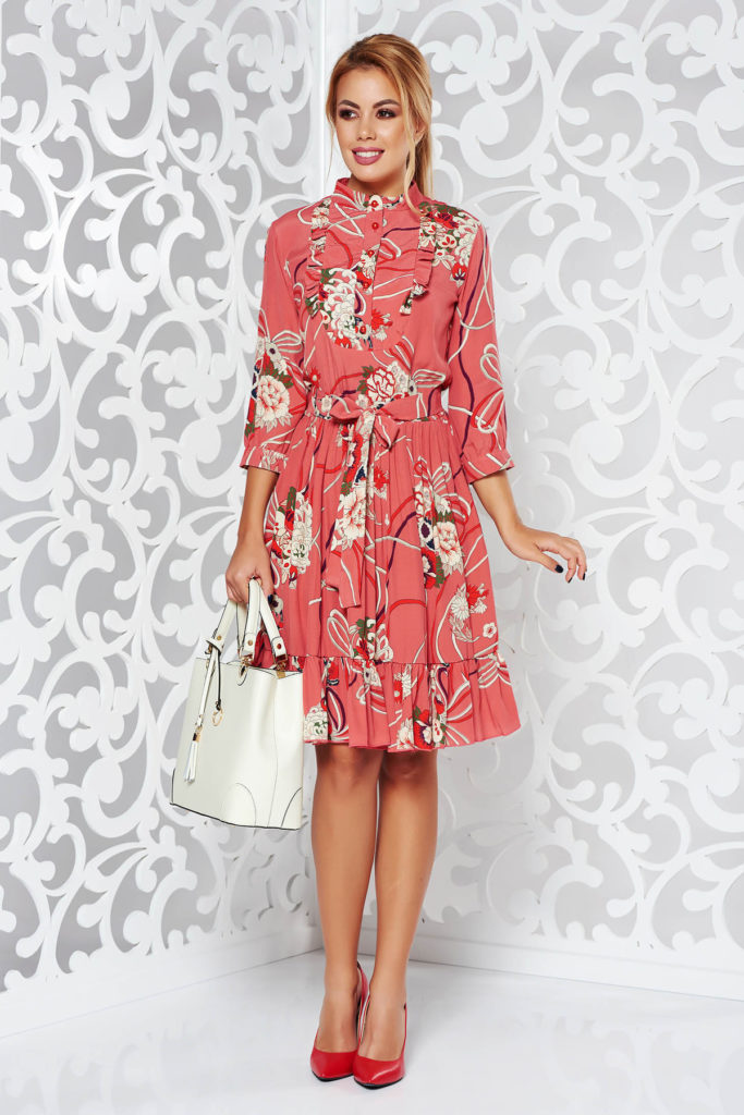 Rochie roz de zi din material vaporos cu imprimeuri florale potrivita pentru tinute casual-chic si elegante PrettyGirl