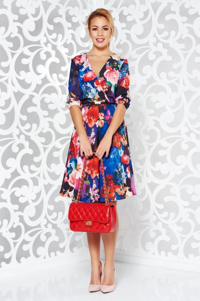 Rochie scurta albastra de zi din voal imprimat floral ce avantajeaza orice tip de silueta StarShinerS