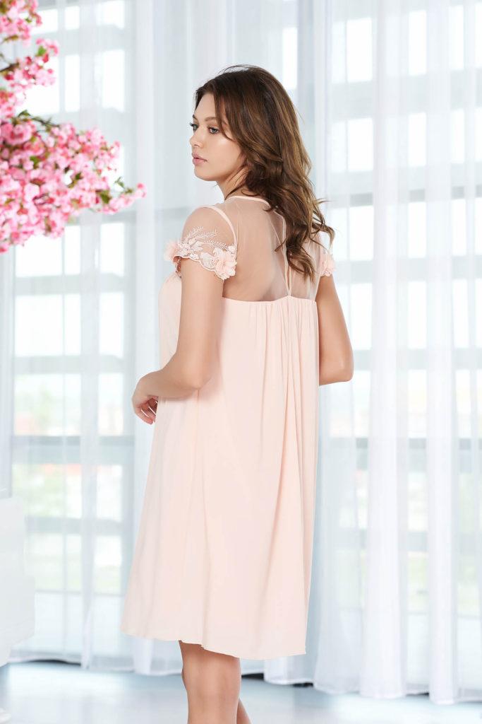 Rochie de ocazie piersica eleganta cu aplicatii florale si croiala diafana plina de feminitate StarShinerS
