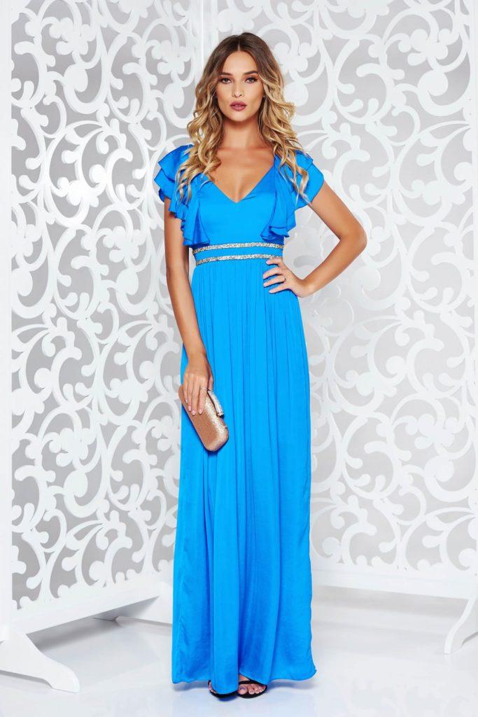 Rochie lunga de seara albastra din material satinat cu benzi decorative stralucitoare si decolteu in V
