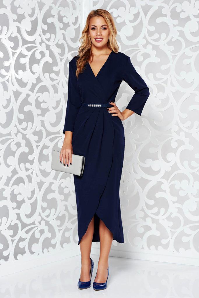 Rochie albastra inchis lunga eleganta de seara cu decolteu adanc si maneca trei sferturi cu curea cu pietre strass