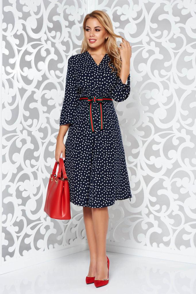 Rochie albastra inchis cu buline potrivita pentru tinute casual-chic confectionata din poliviscoza calitativa