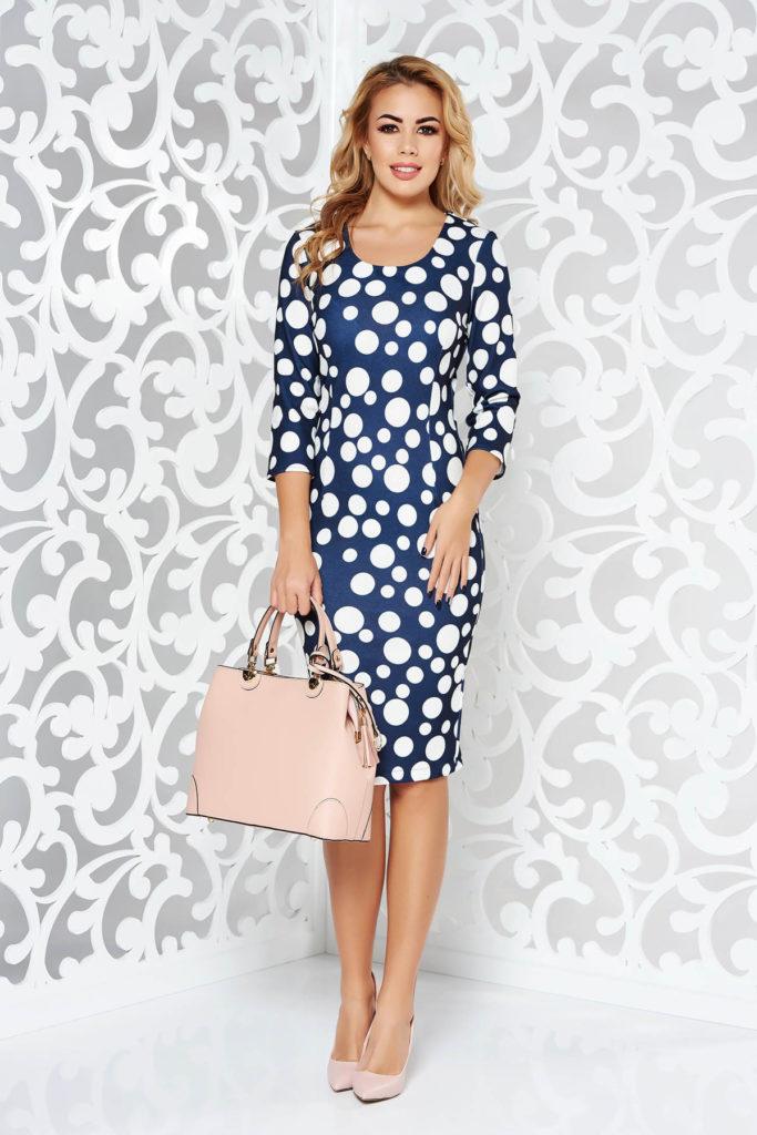 Rochie midi elastica albastra inchis cu buline albe mari potrivita pentru un mediu office