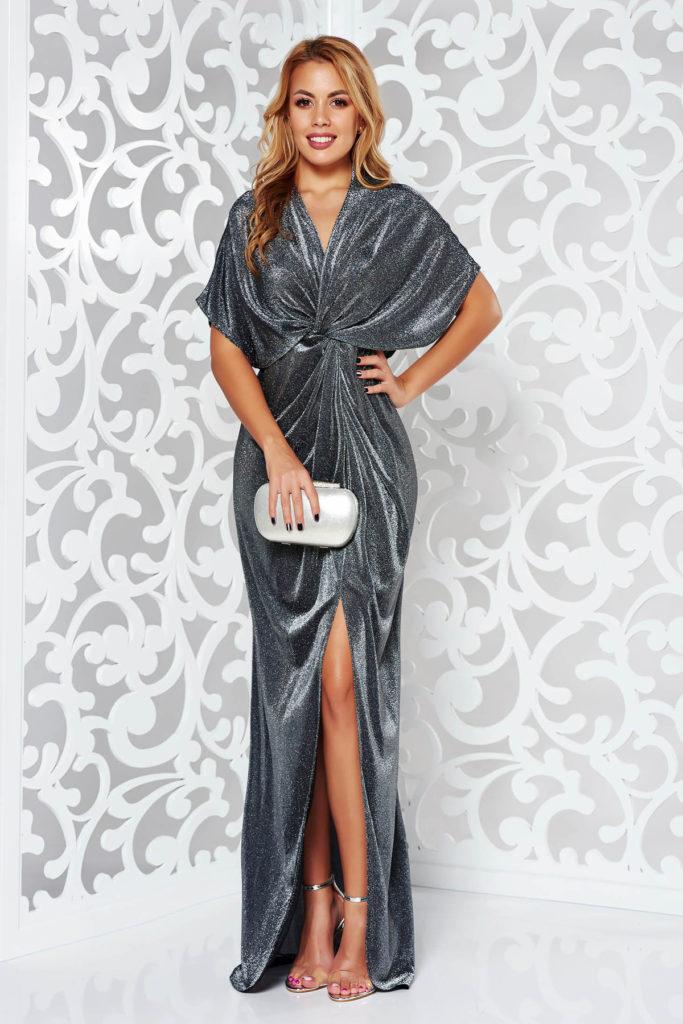 Rochie lunga argintie usor elastica de seara cu croiala lejera din tesatura subtire cu fire metalice