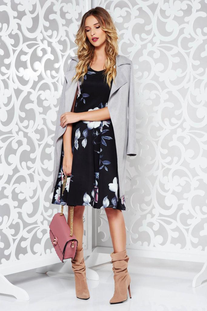 Rochie gri eleganta cu imprimeuri florale perfecta pentru o tinuta de ocazie seducatoare