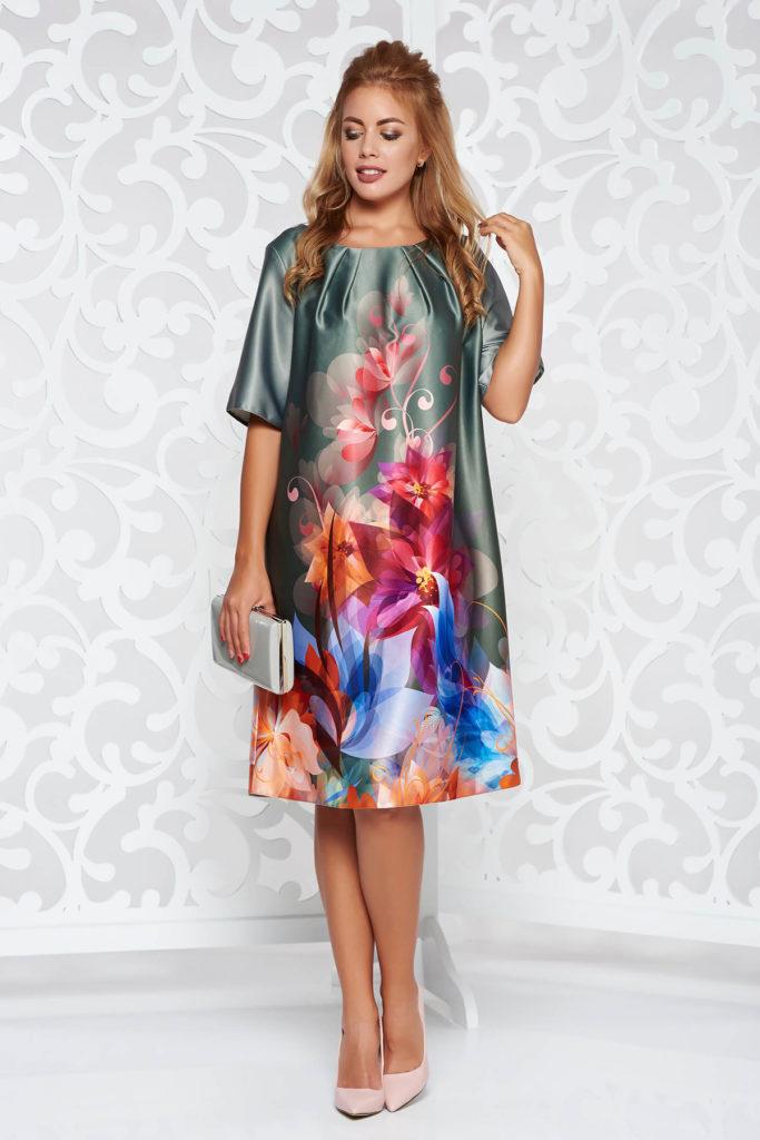 Rochie khaki maneca scurta din material satinat cu imprimeu floral multicolor si decupaj geometric pe spate