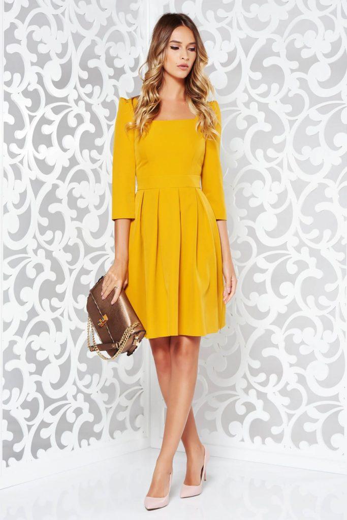 Rochie galben mustar cu maneci trei sferturi eleganta ideala pentru birou si pentru tinute casual-chic