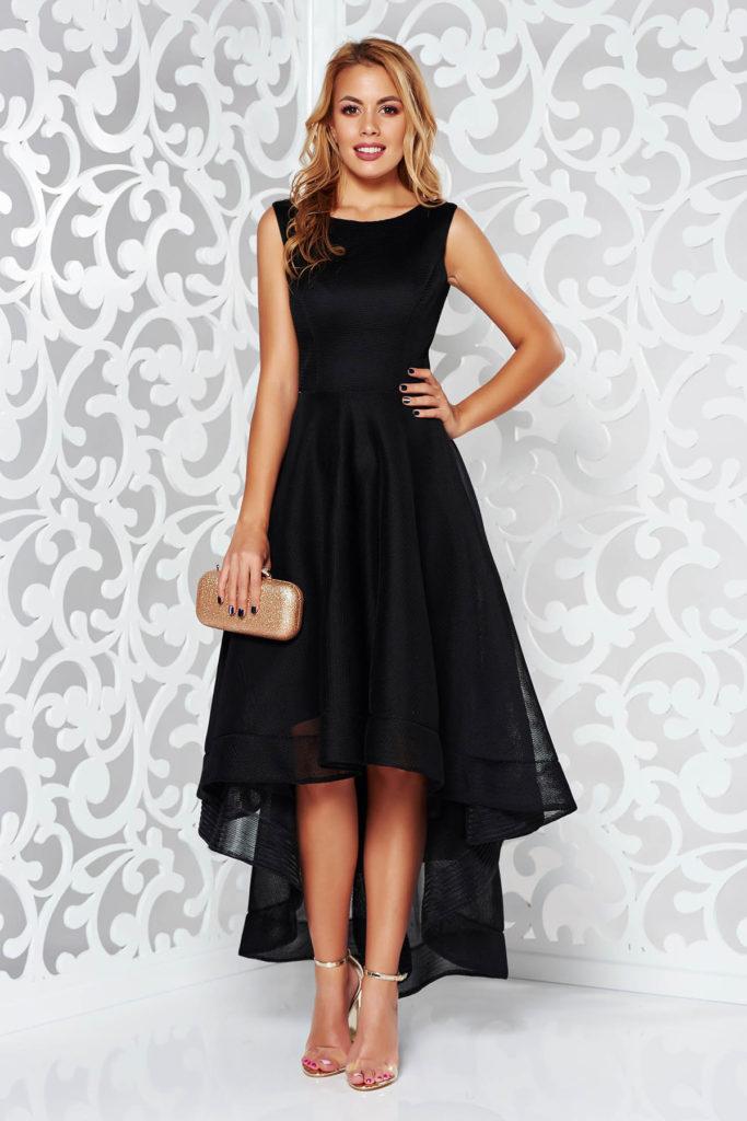 Rochie neagra asimetrica de seara cu design spectaculos cu partea inferioara de fusta ampla cu rijelina la tiv