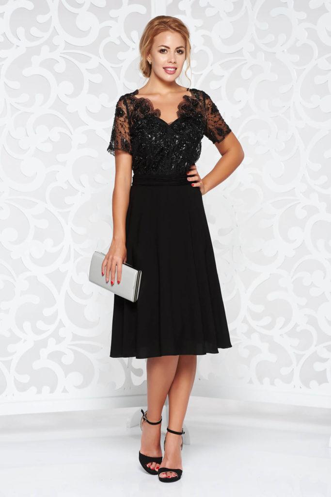 Rochie neagra eleganta de seara cu maneca scurta si bust din dantela cu model floral cu pietricele si margele