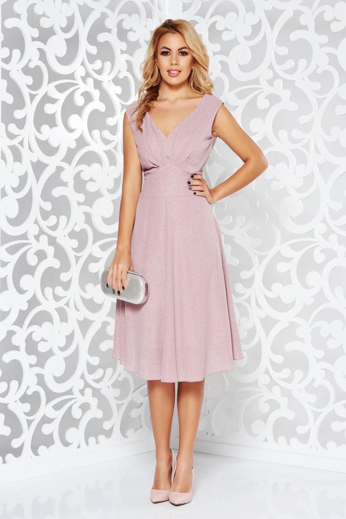 Rochie roz fara maneci de seara midi in clos din material lucios realizata din voal cu particule stralucitoare