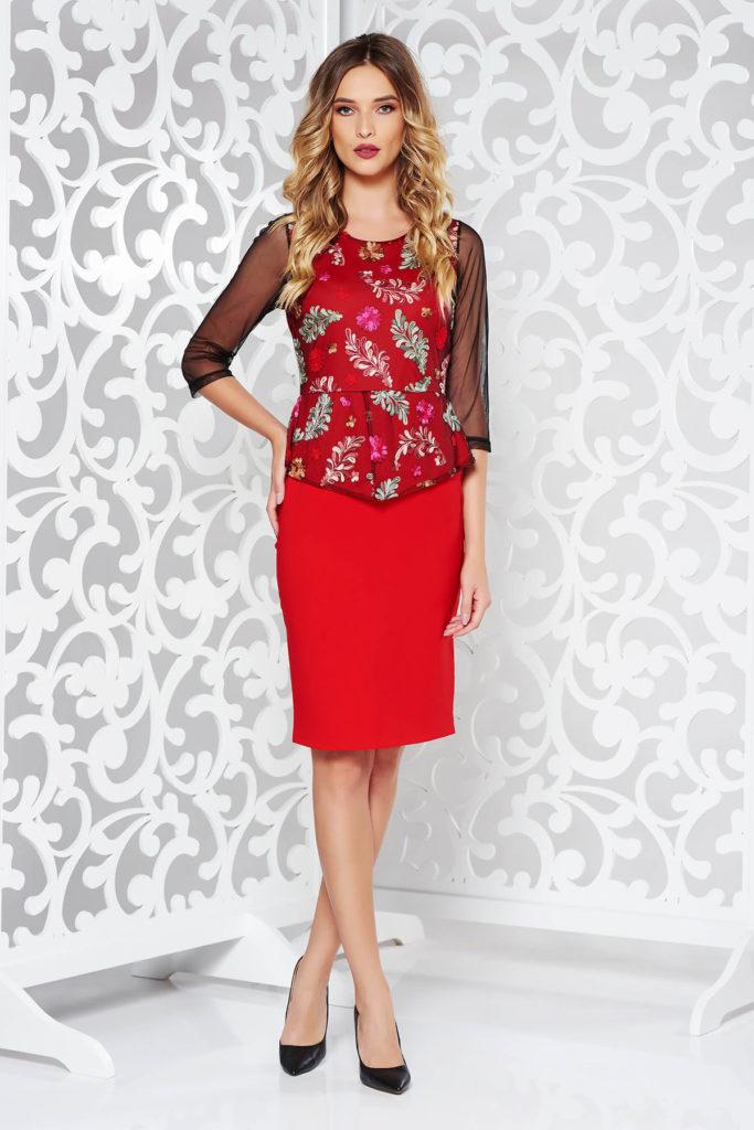 Rochie rosie cu peplum in talie eleganta de ocazie din bumbac cu insertii de broderie florala deosebita