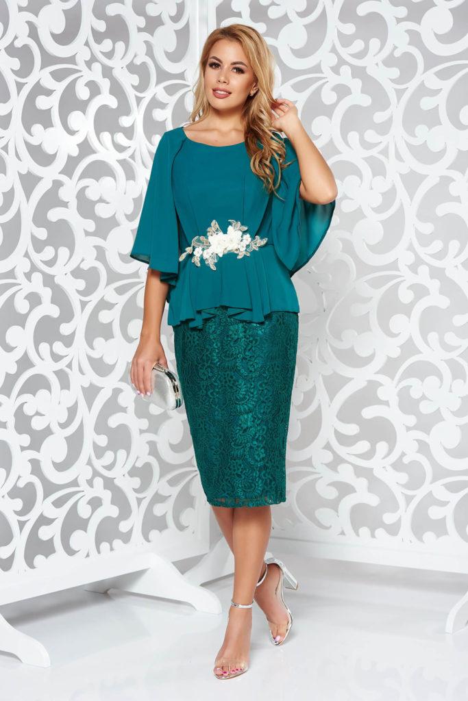 Rochie eleganta verde pentru ocazie din voal si dantela cu insertiii brodate si aplicatii florale 3D