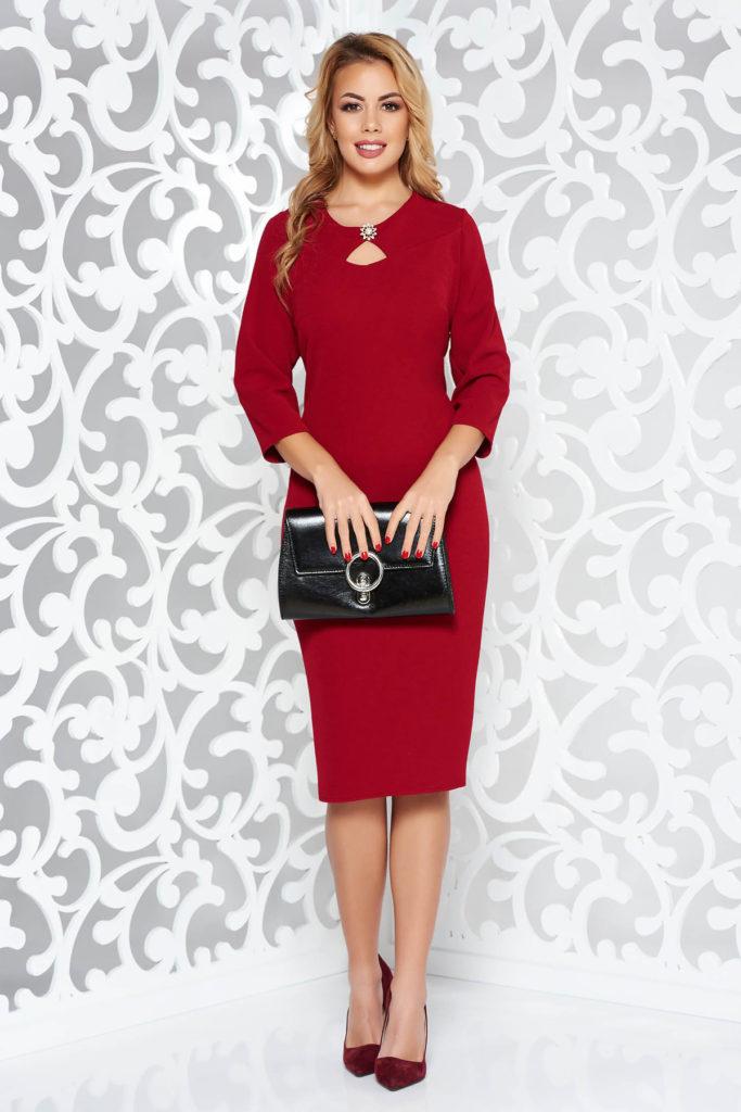 Rochie visinie eleganta stil creion de lungime medie cu decolteu rotund cu decupaj si accesoriu brosa