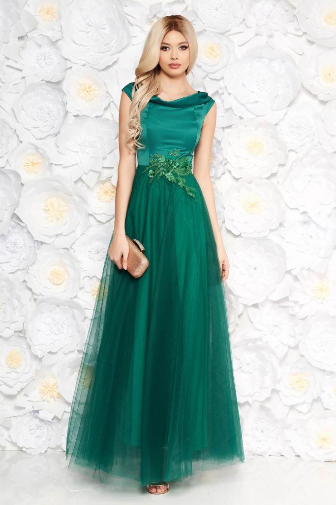 Rochie lunga verde-inchis de seara cu fusta din tulle si bust din material satinat accesorizat cu dantela si perle Artista