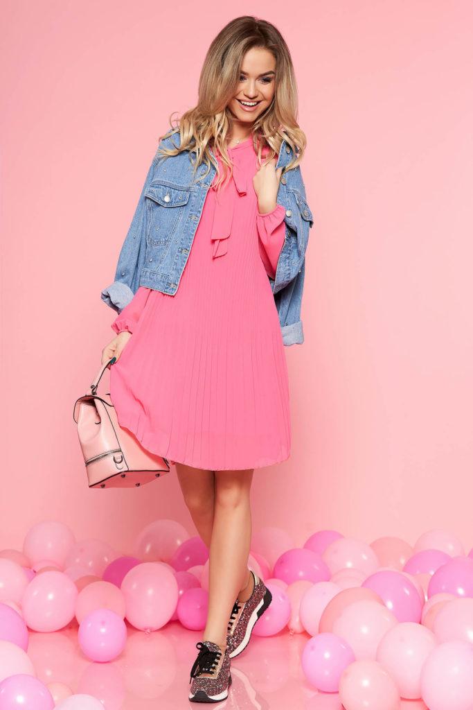 Rochie de primavara roz fucsia cu croi larg din voal plisat SunShine si maneci lungi