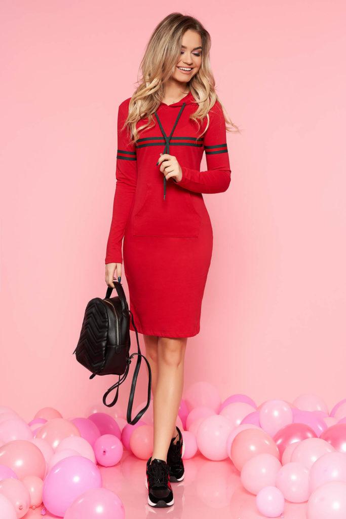 Rochie de zi rosie casual din bumbac SunShine prevazuta cu buzunare si gluga