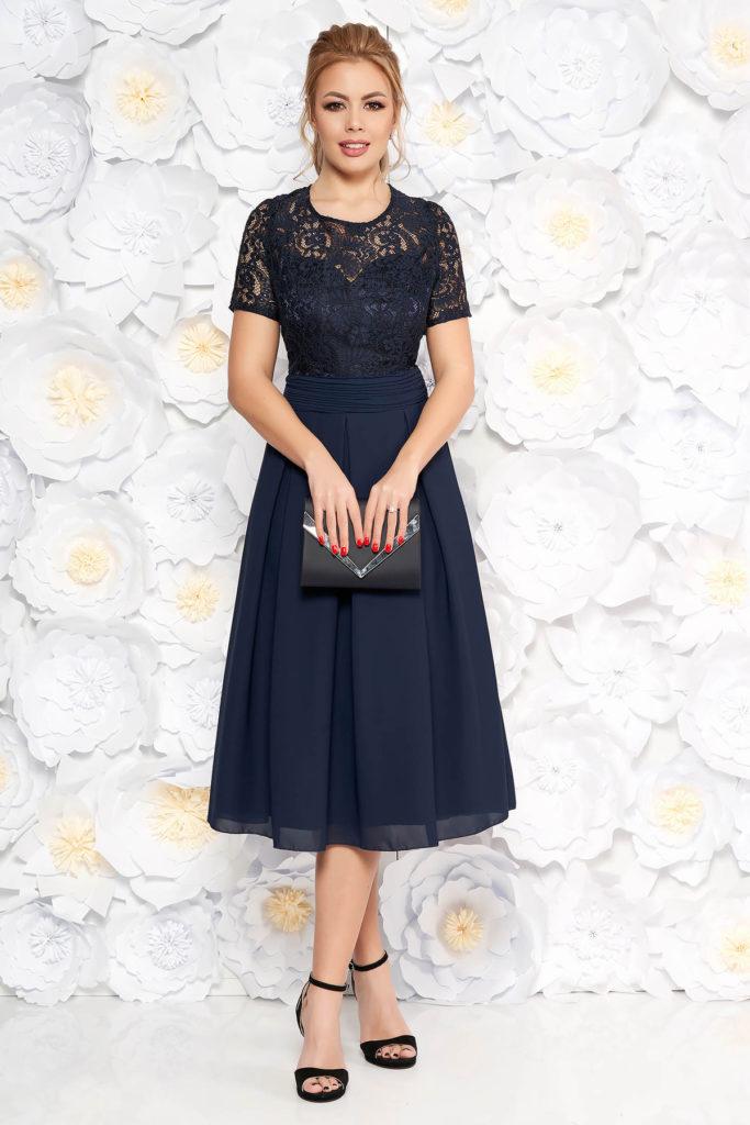 Rochie eleganta de ocazie bleumarin cu spatele decupat si aplicatii de dantela cu paiete pentru femei plinute