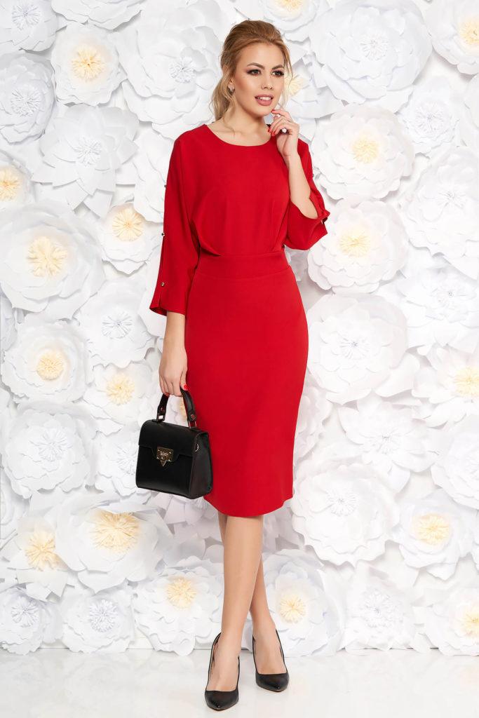 Rochie conica rosie eleganta lunga pana sub genunchi prevazuta cu pliuri discrete in talie